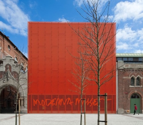 Colour metal trends 2019 - Moderna Museum