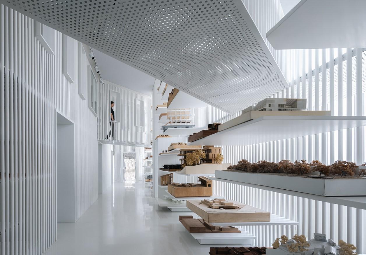 Metallic interiors - public space - museum interiors